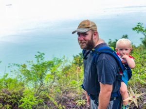 Man Cheung Po-babys first hike 2018-dad with lillebaby airflow carrier