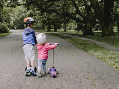 older child helping younger- describe effect on others